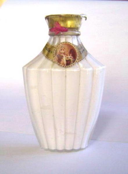 Yardley - Lavender powder bottle