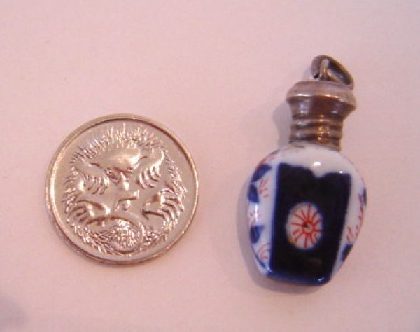 Tiny Imari coloured perfume pendant