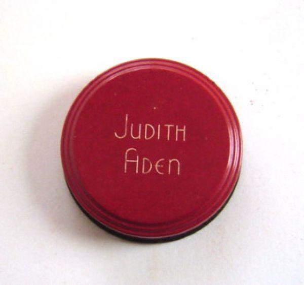 Judith Aden - rouge