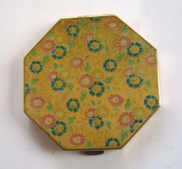 zenette-powder-compact-octagonal.jpg