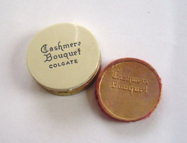 Colgate & Co - Cashmere Bouquet - tiny rouge compact