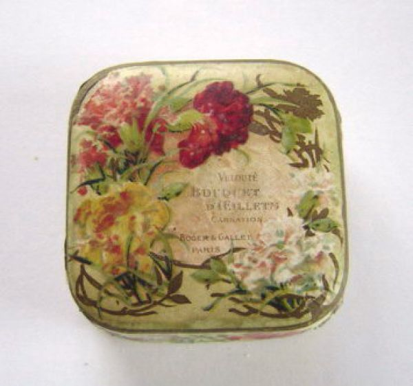 Roger and Gallet - powder box