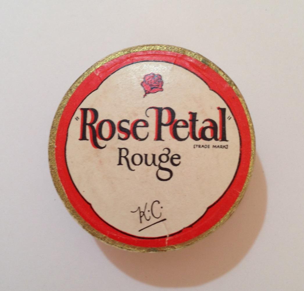 Kathleen Court - Rose Petal rouge